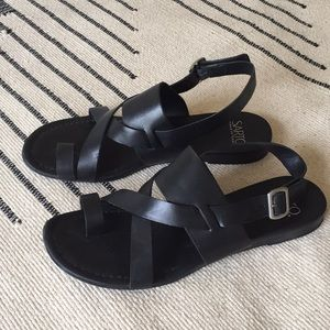 Black leather Franco Sarto sandals